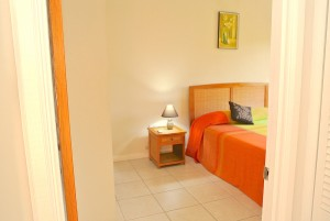 2bedroom2-entrace-l