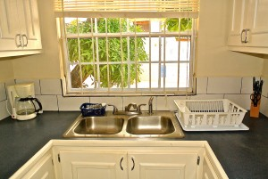 4nook-kitchen-poolview-l