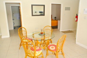 villaapartment5-dining-bedroomone-twol