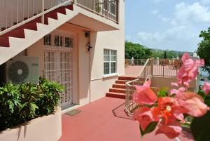 c1-villa7-terraceentrance
