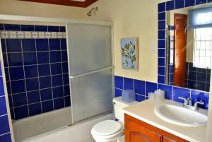 masterbedroombath2